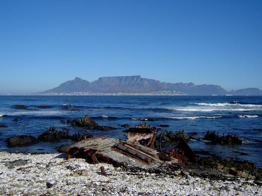 Vanaf Robbeneiland heb je prachtig uitzicht op Kaapstad.