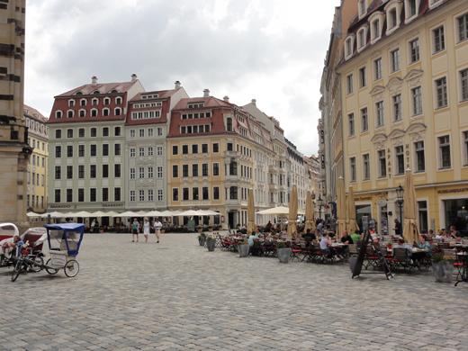 Terrassen aan de Neumarkt.