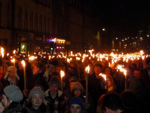 torchlight-procession-edinburgh