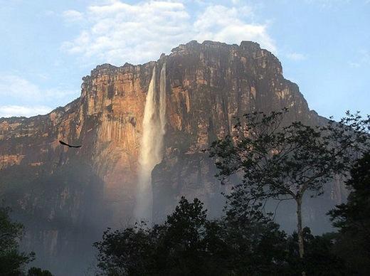 De Ángelwaterval, met 979 meter de hoogste ter wereld (Foto: Rafael Leal)