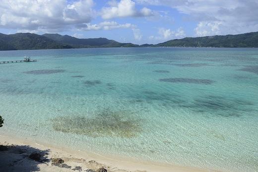 Parelwitte stranden op het eiland Guanaja (Foto: Sonja Stark