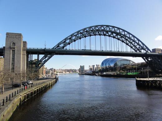 Bruggen over de rivier de Tyne in het centrum van Newcastle.