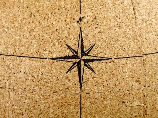 wereldbol-kurk-ingezoomd-kompas
